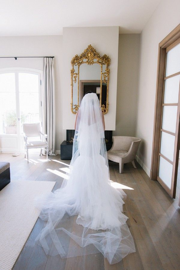 long veil wedding | Image by Sophie Boulet