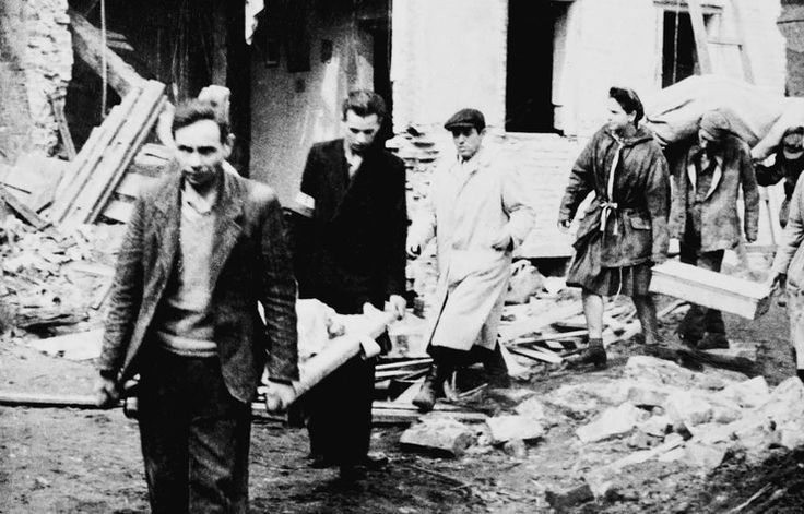 72 rocznica Powstania Warszawskiego. Archiwalne zdjęcia - Wiadomości