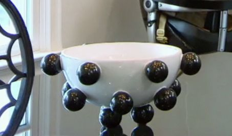 kourtney kardashian's white and black bowl from keeping up with