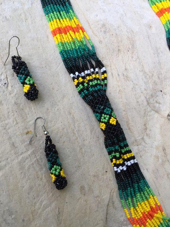 Noemi's Huichol beaded necklace 29 round with por ArtesaniasBatyah