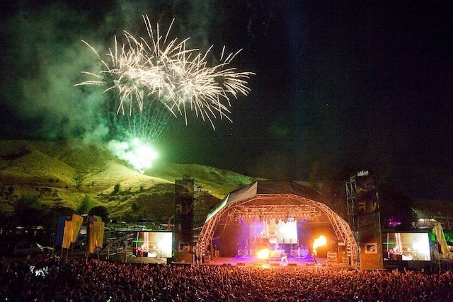 Summer music festivals - The sounds of summer are 'sweet as' in New Zealand with music festivals galore showcasing kiwi sounds and music from around the world. #newzealand
