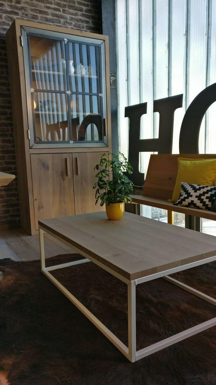 25 beste idee n over stalen meubelen op pinterest staal lassen en eiken tafel - Meubelen om te schilderen zichzelf ...