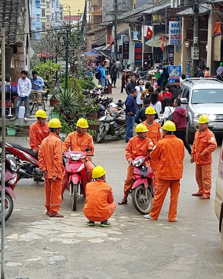 Fuck your steel toe boots! We work in 80s jellies round here! #jellies #jelliesbejammin #jellieshoes #construction #constructionworker #vietnam #travel #traveling #travelgram