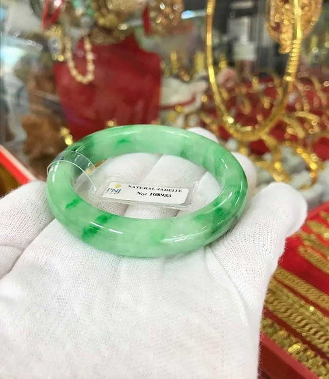 Vintage Translucent Green Black Jade Jadeite Pair of Bangle Bracelets 53MM
