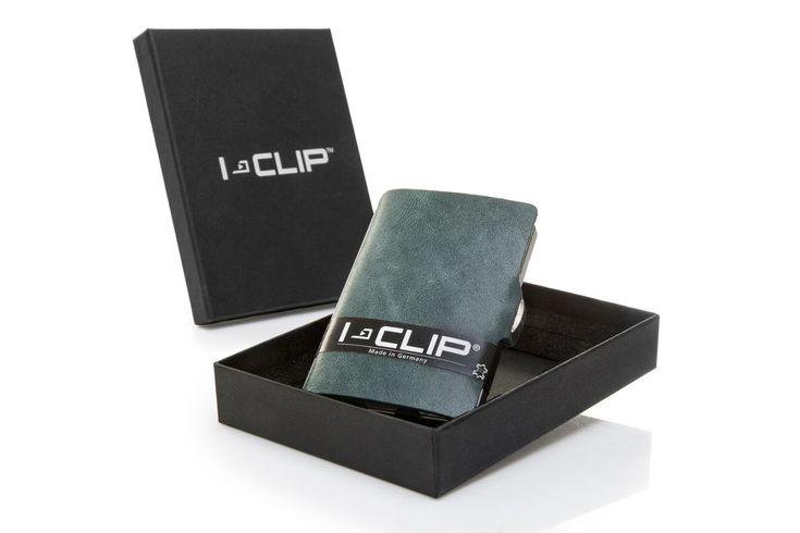 Portafoglio, porta carte di credito e porta tessere, in colore vintage Opale realizzato con la pelle di vitello.  Dimensioni: 6 x 9 cm e 15 mm di spessore Peso: 18 grammi