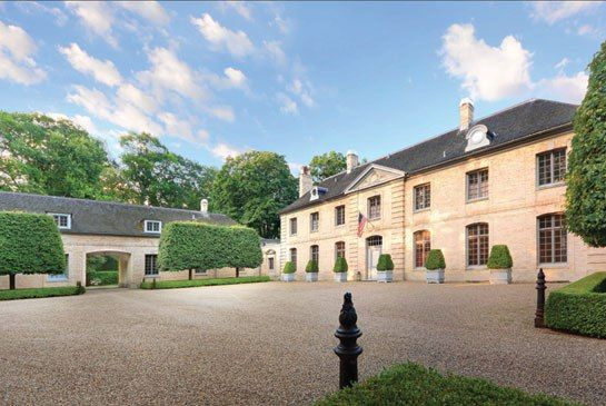 A VERSAILLES-INSPIRED MANSION IN LAKE BLUFF, ILLINOIS - Lake Bluff, Illinois, Estate For Sale