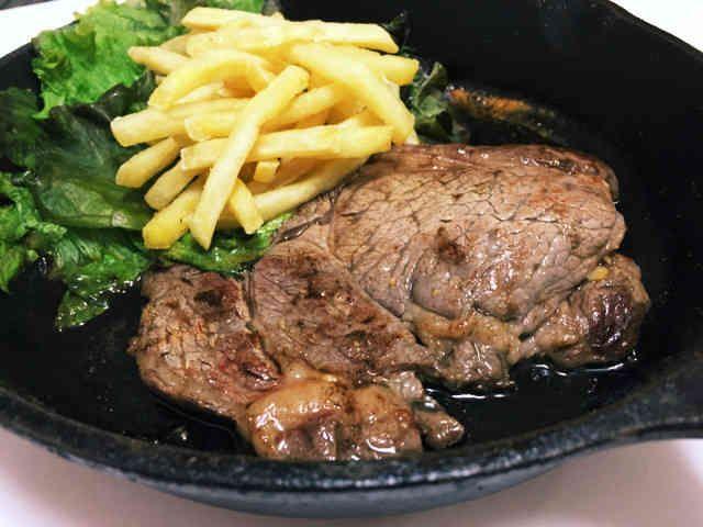 【男の一人飯】スキレット激安ステーキの画像