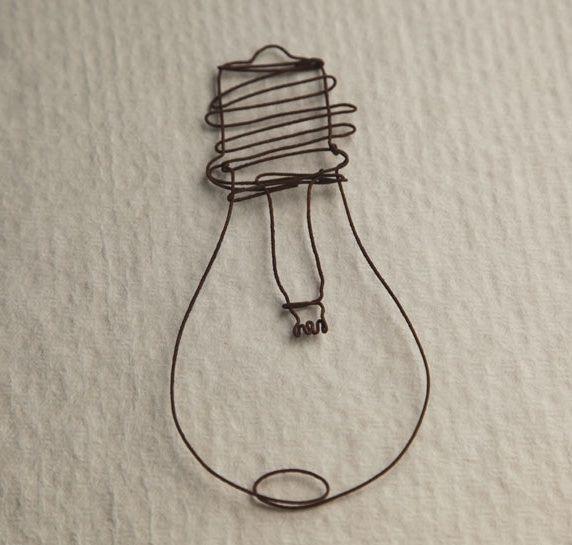wire lightbulb creative ideas pinterest ampoules art et art au fil de fer. Black Bedroom Furniture Sets. Home Design Ideas
