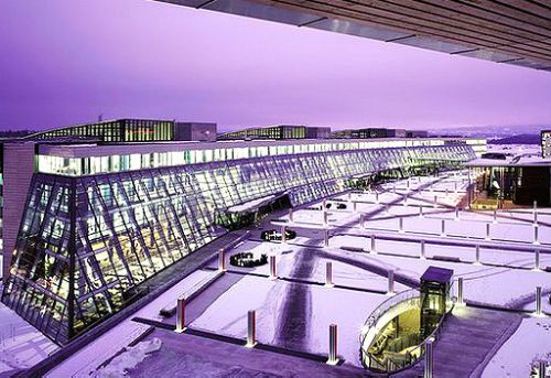 NBBJ diseñó la sede de la empresa de comunicación inalámbrica Telenor en Fornebu, Noruega, en 2002.