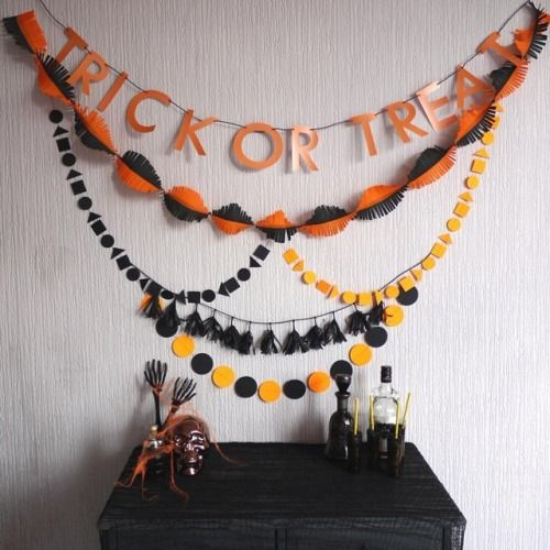 Yo self 👻   #trickortreat #trickortreatyoself  #happyhalloween #partypack #orange #black #halloweendecor #halloweeniscoming #Halloween #spooktacular #halloween2017 #ifyouvegotithauntit