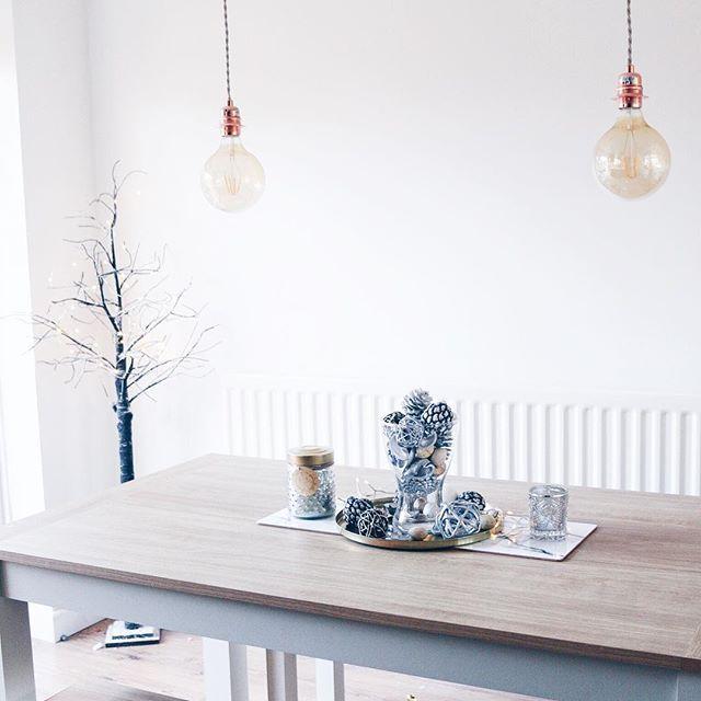 Wintery Dining Room - @dizzybrunette3