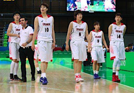 勝利の日本チーム :フォトニュース - リオ五輪・パラリンピック 2016:時事ドットコム