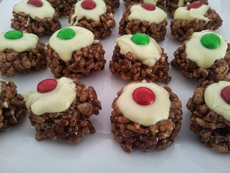 The Imperfect Housewife: Mars Bar Christmas Crackles Recipe