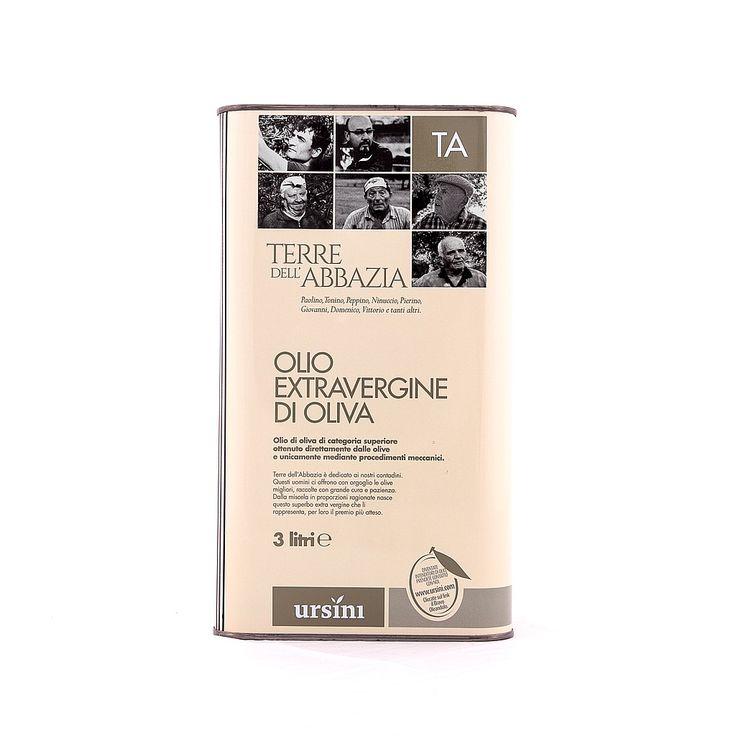 """L' #olio #extravergine d' #oliva """" #Terre dell' #Abbazia"""" in latte da 3 litri è un #olio dal gusto fruttato di categoria superiore ottenuto dalle varietà di #olive #Gentile di #Chieti, #Cucco, #Leccino, #Crognalegno, #Ascolana e #Dritta.  E' un olio dal colore verde pallido con sfumature gialle, il suo profumo fine ed elegante evoca il #pomodoro maturo, la #vaniglia e la #banana verde."""