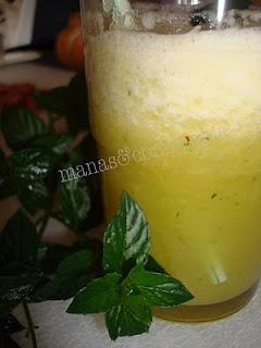 Sumo de ananás com hortelã (bimby)