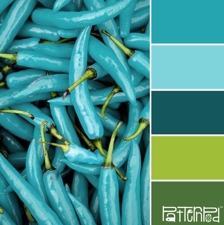 Bom, nunca vi pimentas desta cor, mas adro azul com verde!