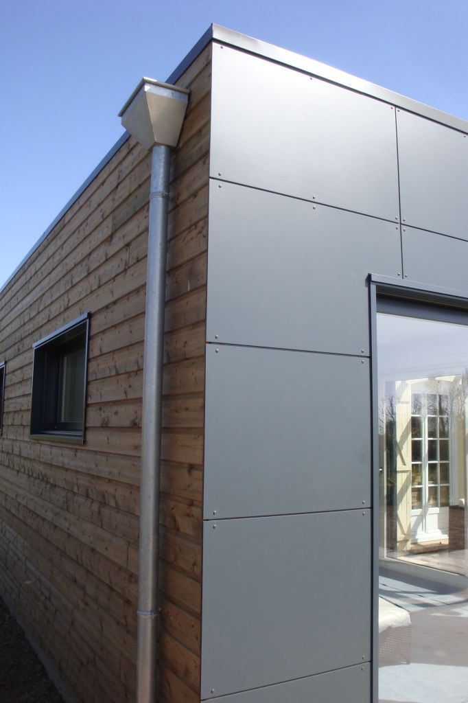 Panneau trespa bardage sapin du nord pr serv marron for Extension garage bois