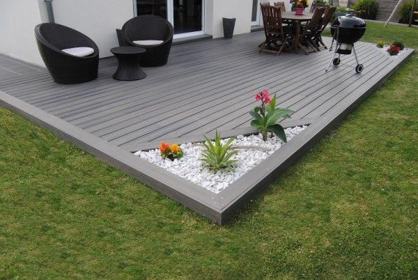 Fiberon_Xtrem_01   Terrasse moderne avec angle végétal et minéral                                                                                                                                                                              More