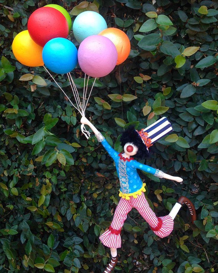 Palhaço Caçarola para alegrar sua festa de circo ! #circo #alegria #decoracao #ludico #palhaco #colorido #arte #feitoamao #handmaid #festasinfantis