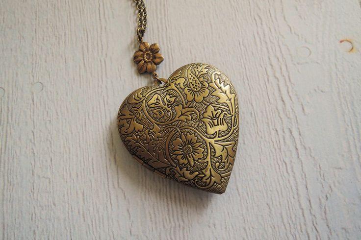 Lockets – Antique Bronze photo locket Victorian Heart – a unique product by MadamebutterflyMeagan on DaWanda