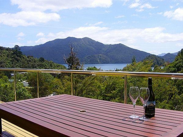 Marlborough/Marlborough Sounds/Ngakuta Bay holiday home rental accommodation - Nestled at Ngakuta - Ngakuta Bay Holiday Home