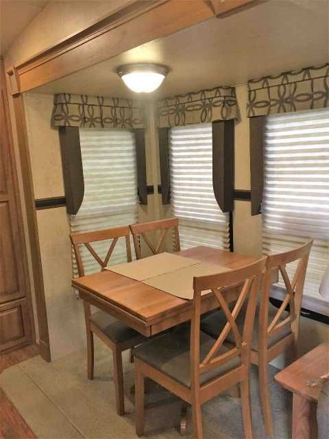 2016 used forest river flagstaff 8528rkws fifth wheel in georgia garecreational vehicle rv - Raised Panel Dining Room 2016