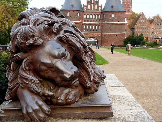 Sleeping lion in Lubeck....By Marco Braun: Favorite Places, Lubeck Bi Marco, Beautiful Sculpture, Marco Braun, Sleep Lion, Sleeping, Photo