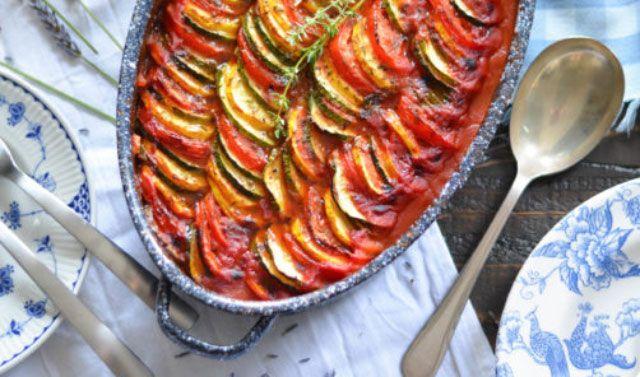 Tian de légumes WW, recette d'un bon gratin de légumessavoureux et léger, très facile à réaliser pour accompagner vos plats de viande ou de poisson.