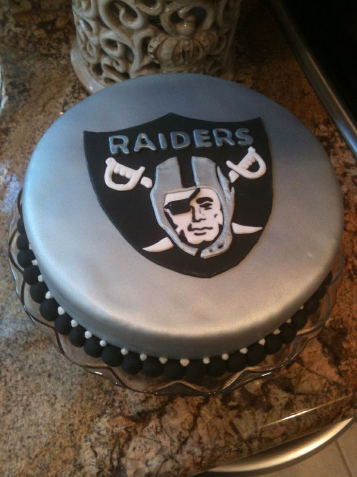 1000 Images About Oakland Raiders Cakes On Pinterest