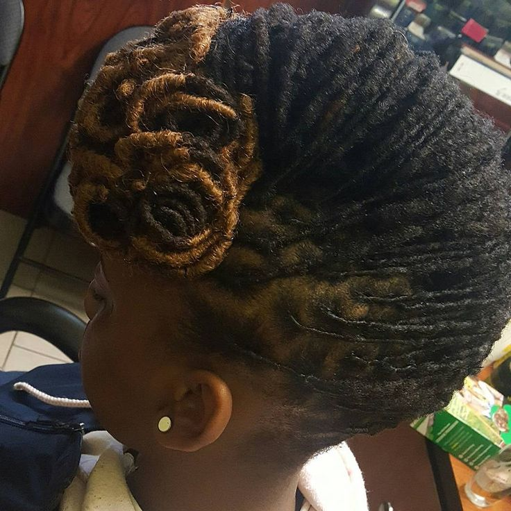 #longlivelocs #locs #locenvy #locsilove #locstyles #womenwithlocs #coloredlocs #locupdo #locswithcolor #lochairstyles #womenlocstyles