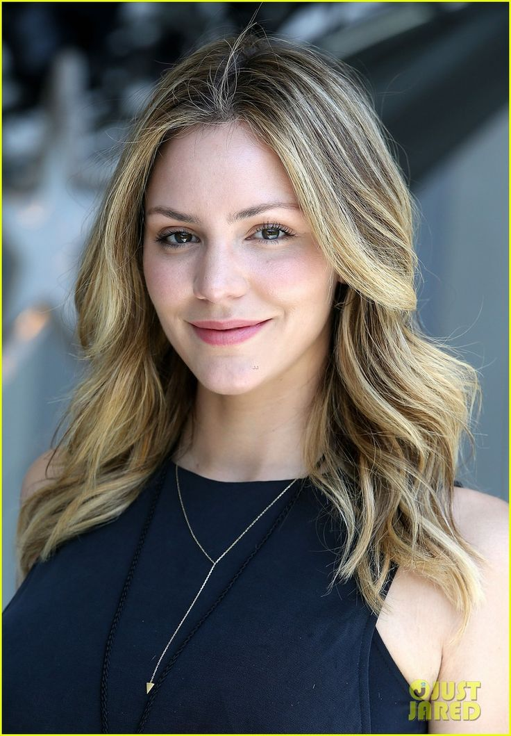 katharine mcphee looks a little like Christine Evangelista. They could play cousins.