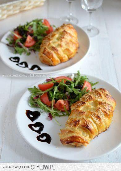 Kurczak z serem w cieście francuskim (na 2 porcje) 1… na Stylowi.pl