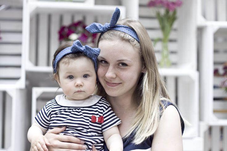 Jak krople wody :) zdjęcia z sesji MiniMe z okazji Dnia Matki. Mama sukienka - KappAhl, córeczka - Smyk, opaski - Carry