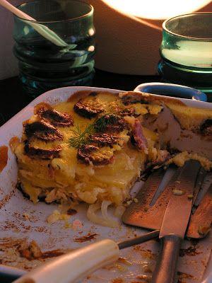 PIERNIKOWA CHATA: Zapiekanka ziemniaczana z białą kiełbasą