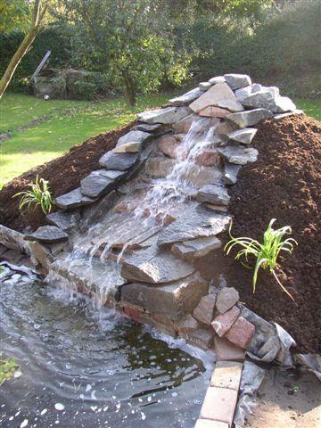 Vand i haven. Etablering af havedam, havebassin og bækløb.