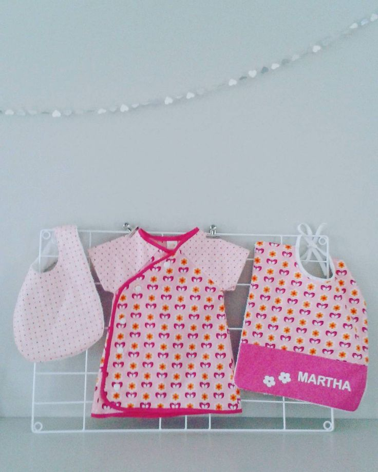Cathy Dauw op Instagram: SEWING♡ #naaiselvanvorigeweek#dezeweekbronchitis😡#babygifts#softcactusfabrics#welcomemartha#homemadebyc#jurkje #zogeknipt#mindthewhale#madebycathy