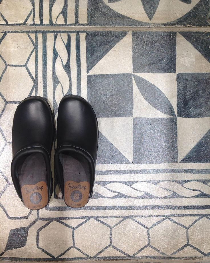 Troentorp clogs & a cool floor