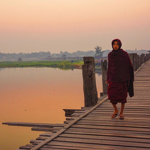 The break of morning brings local traffic across the U Bein bridge. This iconic teak structure is the main thoroughfare for fishermen and monks alike as they make their way across the bridge to start their daily activities. . . #postcardandtag #greatshotz#myanmar #travelmyanmar #sky_sultans #sky_brilliance  #gottolove_this #zerogrid #openmyworld #sunrise #wanderlust #instagood #worlderlust #picoftheday #travelingshoot #travelstoke #travel #hiddentravels #beautifulworld #endlesstravelling…