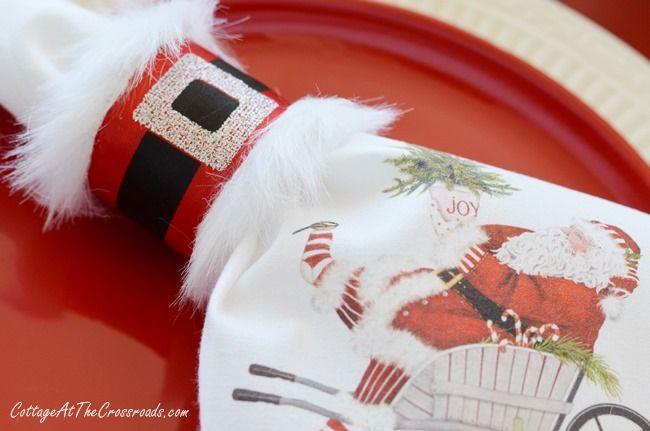 Está precisando de um charme a mesa de natal? Esse DIY é super fácil é feito com rolo de papel toalha. Confira!