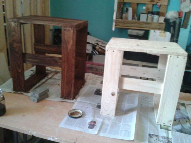 Mesas de terraza hechas con madera reciclada de varios for Mesas hechas con palets
