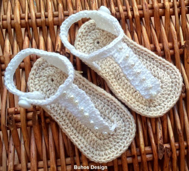 Zapatos de punto/ganchillo - Sandalias de bebé - hecho a mano por buhos-design en DaWanda                                                                                                                                                      Más