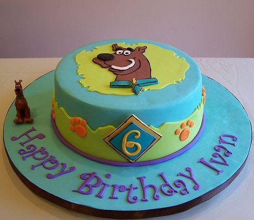 scooby cake!!!!!!  freakin' adorable!!!