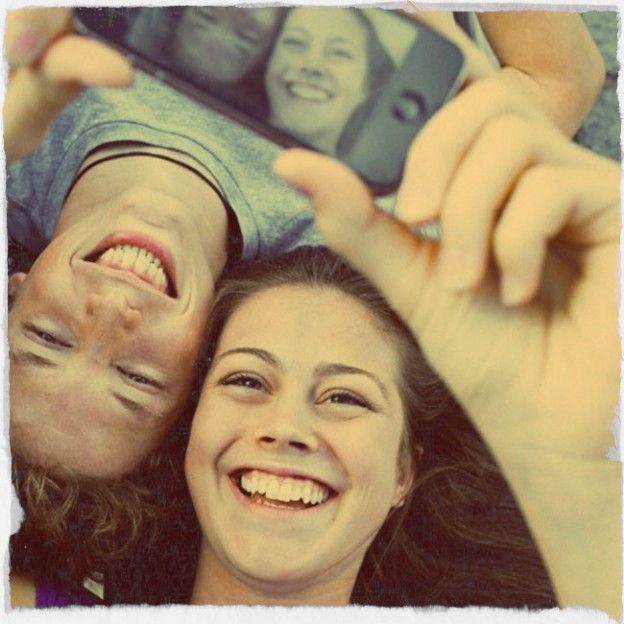 Hoje os celulares se tornaram indispensáveis na rotina, já que muito além de ligações eles são utilizados para agenda, gps, contatos, mensagens...Especialmente para quem adora registrar bons momentos, os smartphones e tablets possibilitam que você consiga fotografar e já compartilhar as imagens com seus amigos e contatos! …  Continue lendo em http://www.riclan.com.br/blog/freegells/5-aplicativos-para-deixar-suas-fotos-ainda-melhores/: