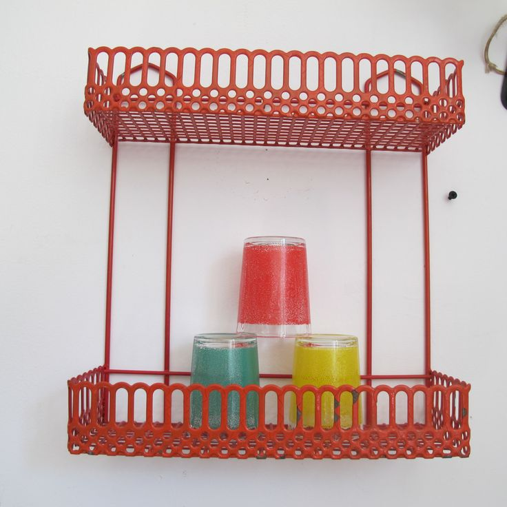 Best 25 etagere rouge ideas on pinterest - Etagere murale pas chere ...