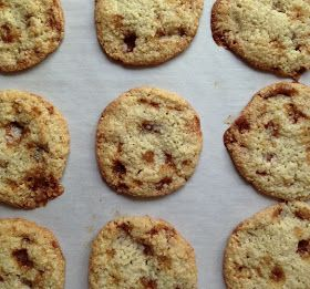 Toffee Almond Flour Cookies and more almond flour cookies recipes on MyNaturalFamily.com #cookies #recipe
