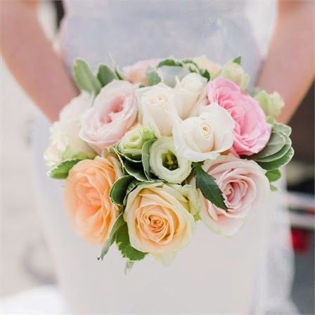 These pastel flowers are simply beautiful! http://www.calmweddings.blogspot.co.uk/2015/01/pastel-coloured-flowers.html