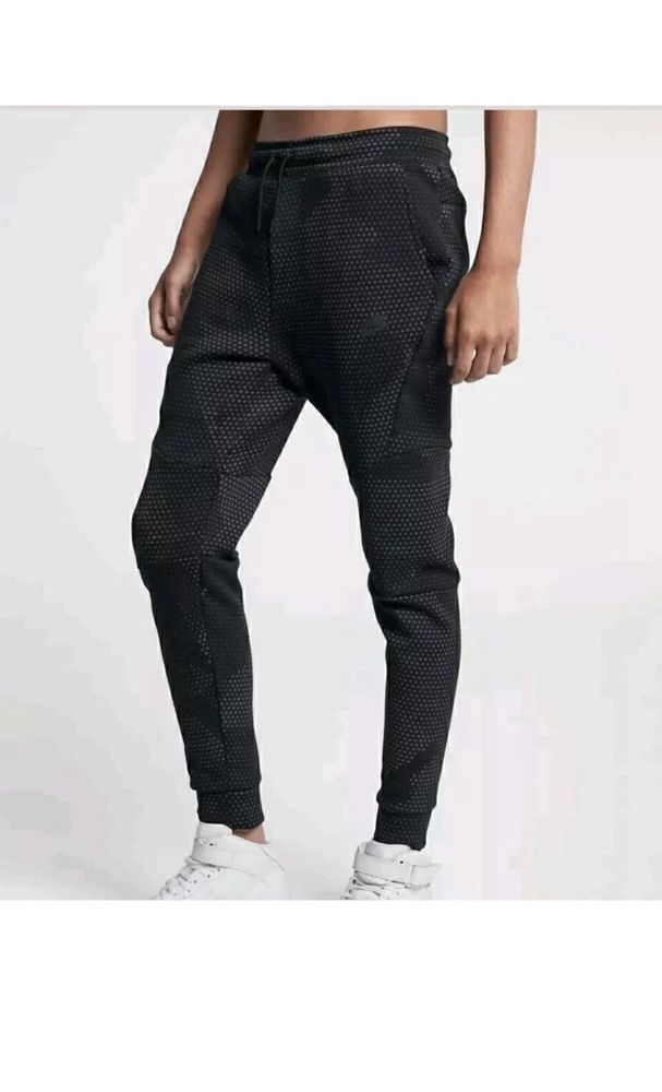 ed67926af6e8 Nike Sportswear Tech Fleece GX Pants Men s Size L Joggers 886175 010  Nike   Pants