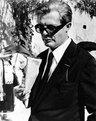 Mastroianni in Fellini's 81/2