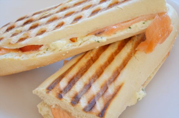 Lekker voor de lunch: panini met zalm en roomkaas