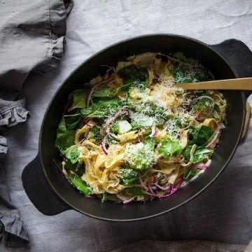 Louise pasta över en kastrull - Recept - Tasteline.com